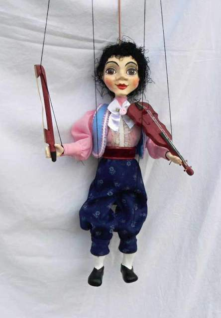 Strolling , puppet marionette