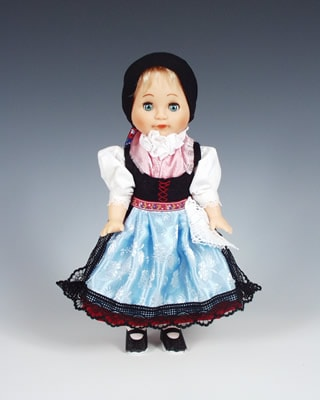 Doudleby , czech doll